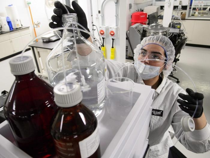 Canada: Experimental pot lab sprouting cannabis-infused drinks, new edibles