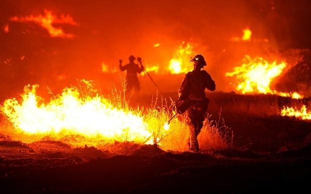 A wildfire rages near Clearlake, California. Photo: AP