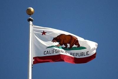 CaliforniaFlagImageMakaristosViaWikimediaCommons