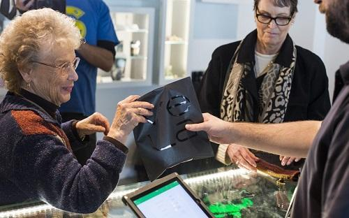 When Seniors Visit a Cannabis Store, There are Questions Aplenty – Cannabis News