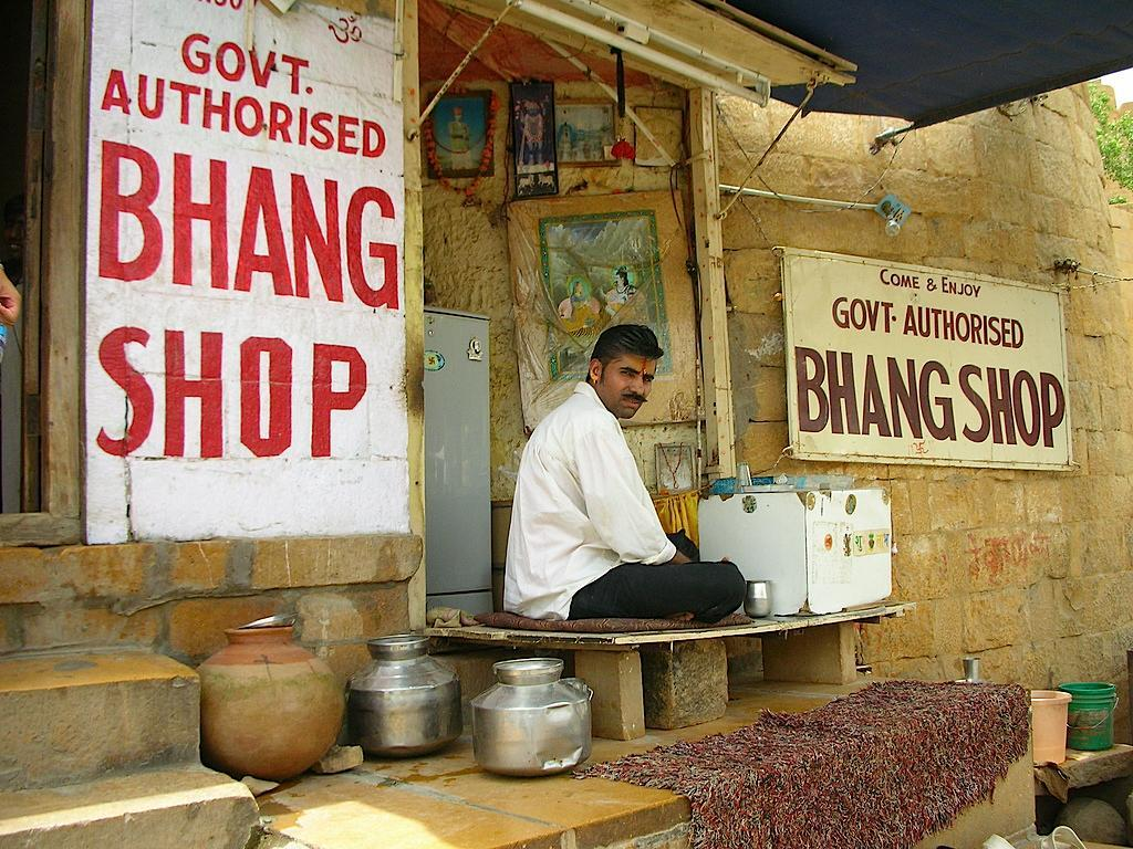 Image of an Indian marijuana shop