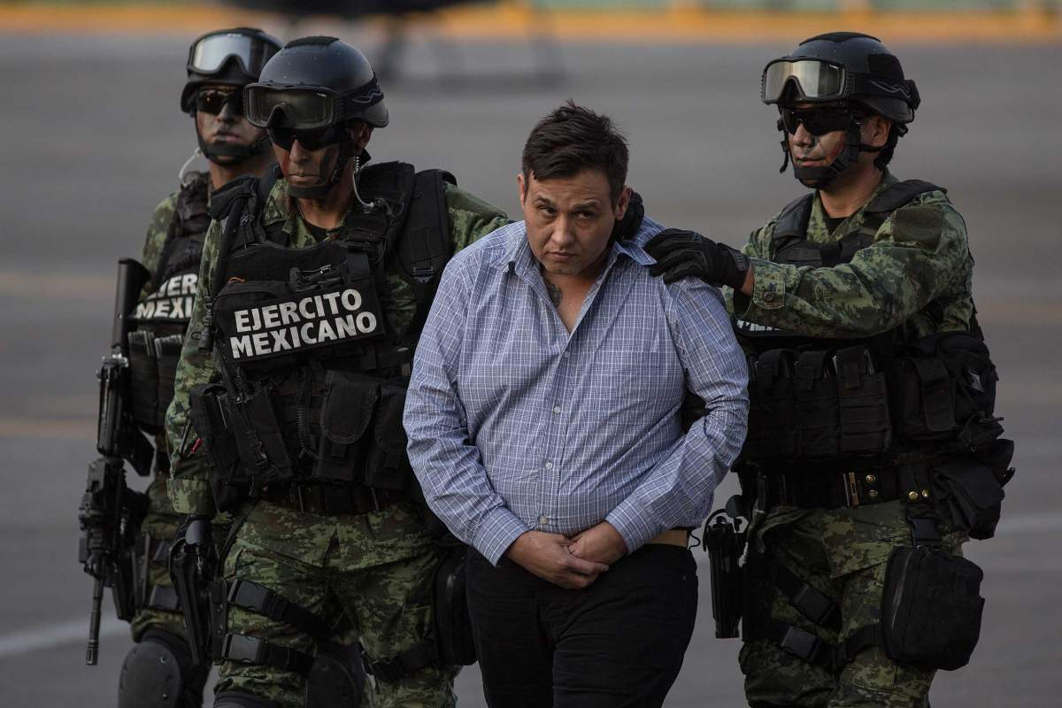 Image of Mexican drug cartel leader in custody