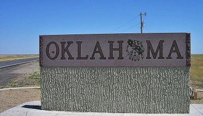 OklahomaWelcomeSignImageOkiefromoklaViaWikimediaCommons