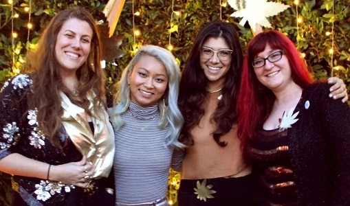 "DIY Bath Soaks, Tarot, and Weed: Women Embrace Ultimate Girl Time at Tokeativity's ""Glitter & Gold"" - Cannabis News"